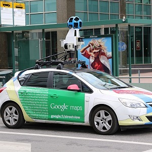 Google testuje autonomní auta.