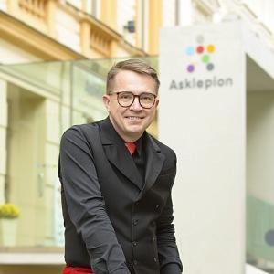 Roman Šmucler a klinika Asklepion