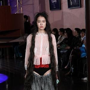 5. Spodní prádlo ven: JENNY FAX FW19