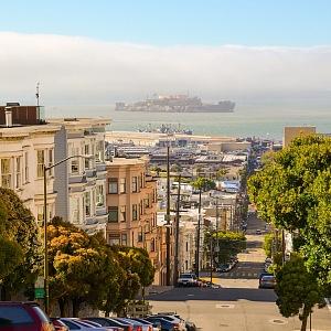 San Francisco a pevnost Alcatraz v pozadí