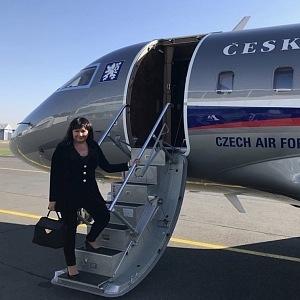 Létání je pro ministryni denních chlebem