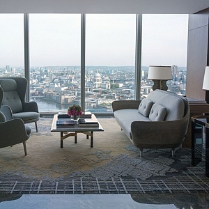 Shangri- La Hotel