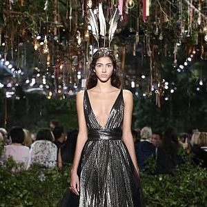 Luxusní třpytivé šaty