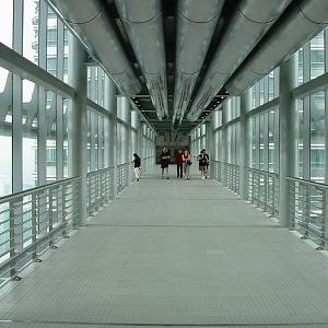 Průchod, most spojující dvě bodovy