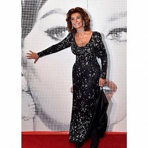 Sophia Loren v černých šatech