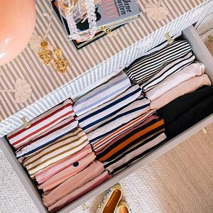 Srovnané oblečení metodou KonMari