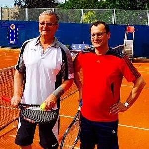Miroslav Kalousek hraje tenis