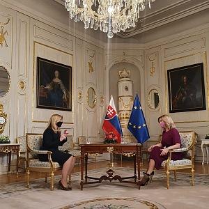 Terezie se slovenskou prezidentkou Zuzanou Čaputovou.
