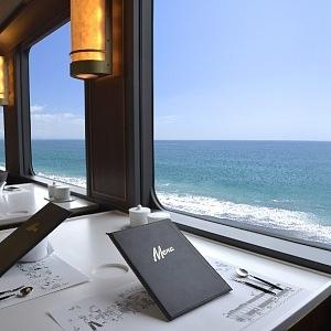 Luxusní stolování ve vlaku