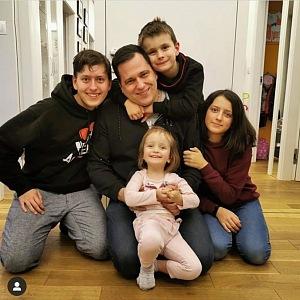 Europoslanec Tomáš Zdechovský s dětmi