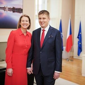 Tomáš Petříček s manželkou Ivou