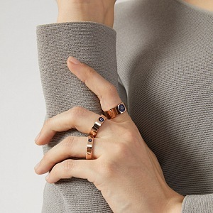Jednodušší kousky kombinují eleganci a luxus