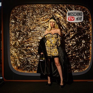 Vanda Jandová in collection MOSCHINO [tv] H&M
