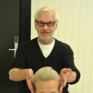 Robert Vano začínal jako kadeřník. Dodnes se mu jeho zkušenosti hodí.