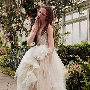 Vera Wang - model Blossom