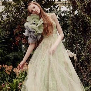Vera Wang - model Sage