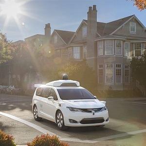 Self-driving car Chrysler Pacifica Hybrid, Waymo minivan