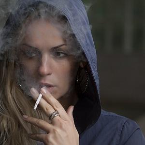Kouření stejně už dávno vyšlo z módy.