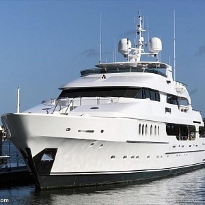 Yacht of Tiger Woods