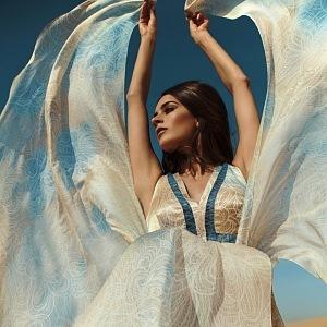 Šaty lehčí než vzduch!