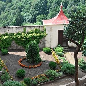 Bylinková zahrada pod prvním nádvořím
