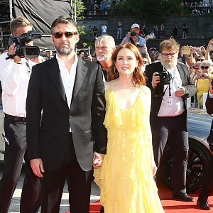 Julianne Moore with husband
