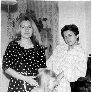 S maminkou Naďou Tomicovou Chrobokovou a její sestrou (Pavla Tomicová)